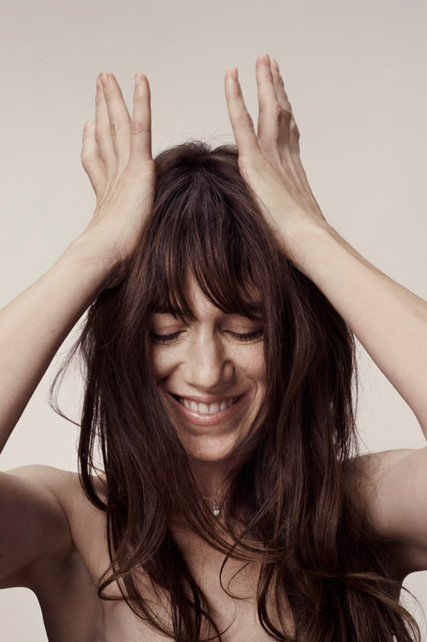 famous_hairstyles_with_bangs-charlotte_gainsbourg